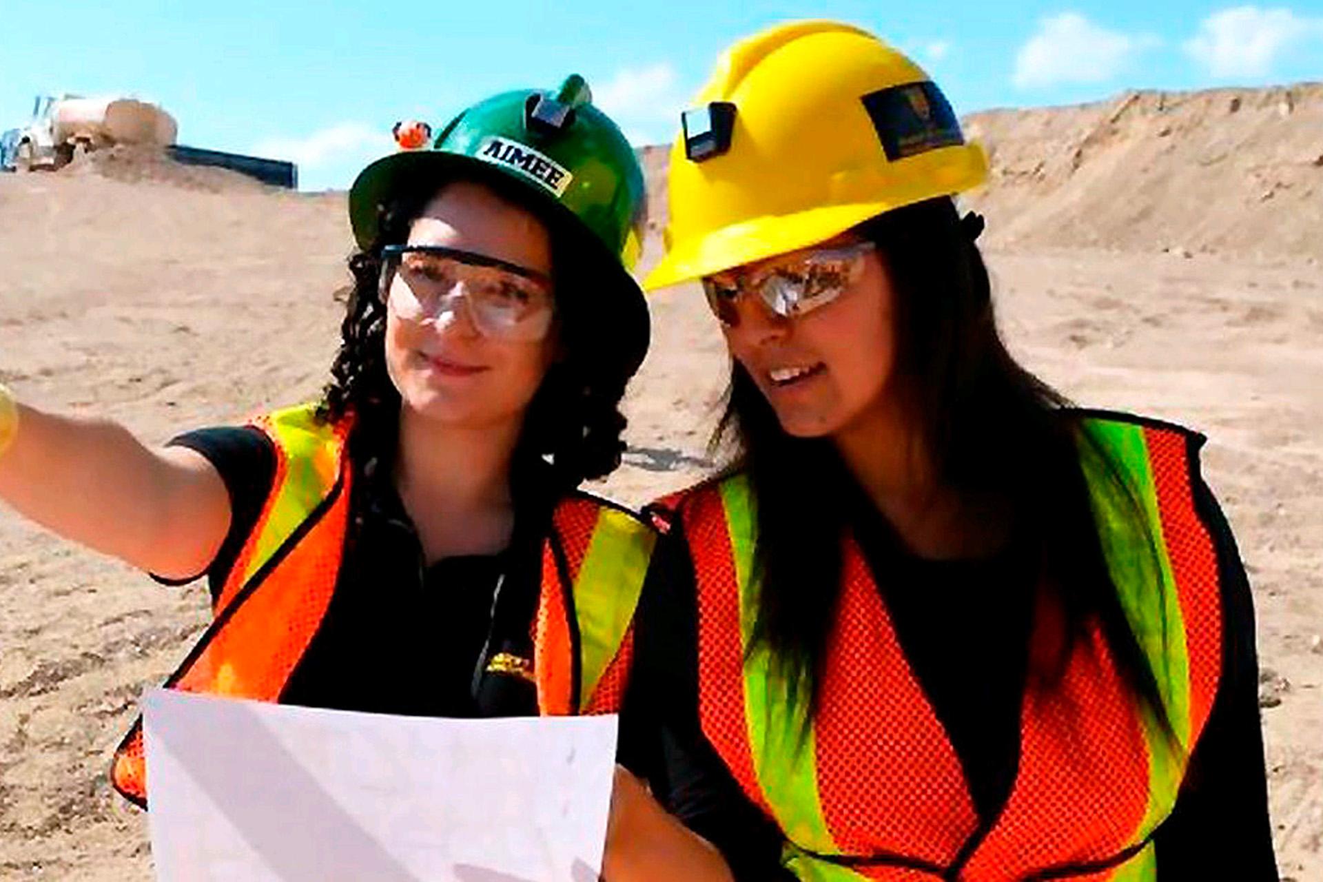 Más mujeres optan hoy por carreras del sector construcción