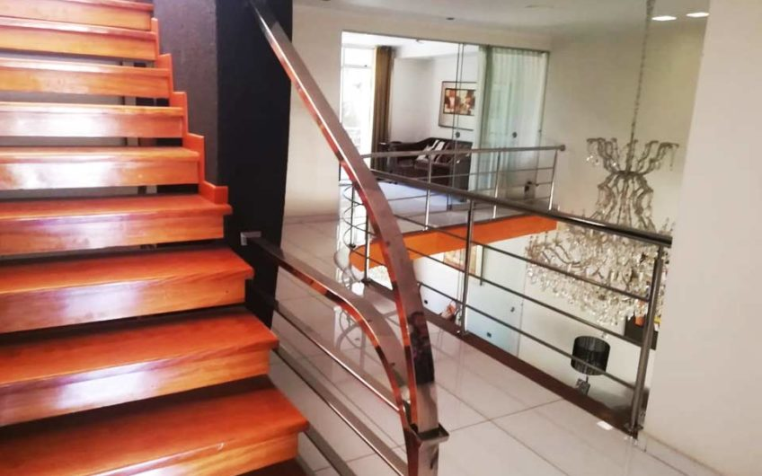 Vendo casa Yanahuara