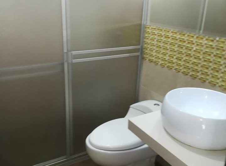 Baño compartido Departamento Quinta Azores