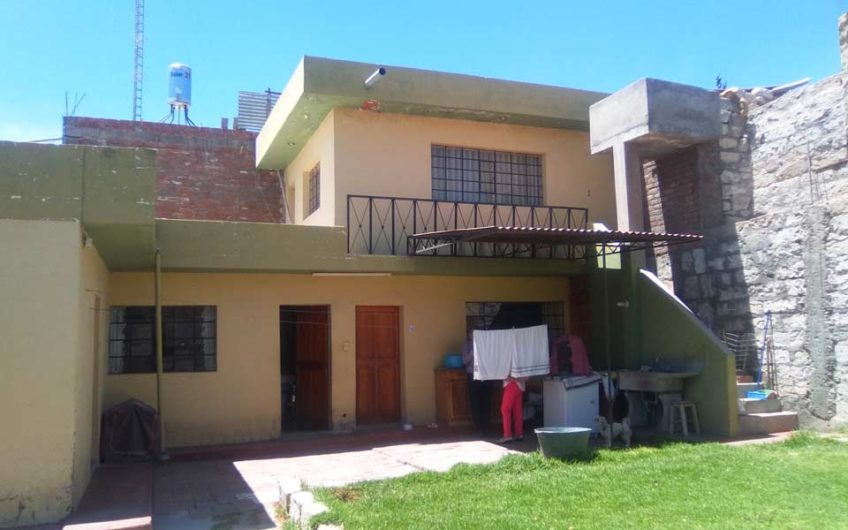 Casa como terreno Cerro colorado