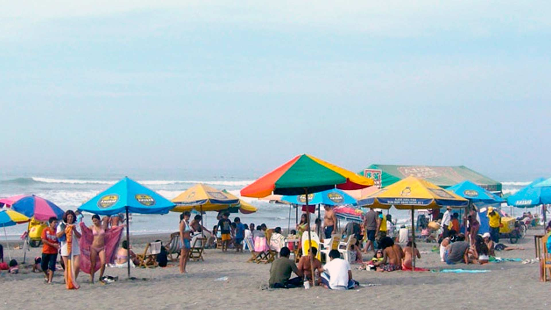 Playas de camaná e islay no son aptas para bañistas